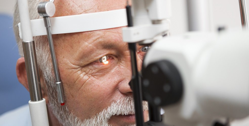 Man getting his eyes checked at CoxHealth.