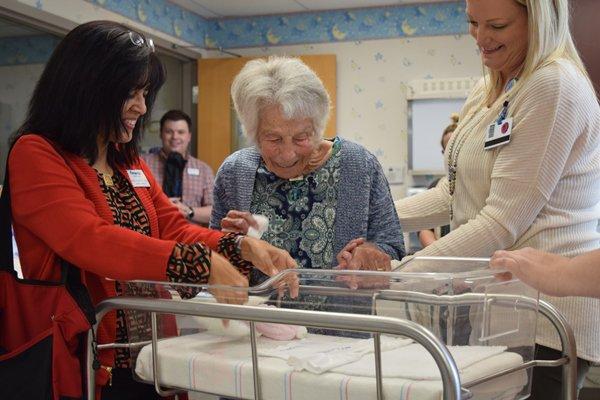 103-year-old nurse Leah Corbin returns to visit Cox Medical Center Branson.