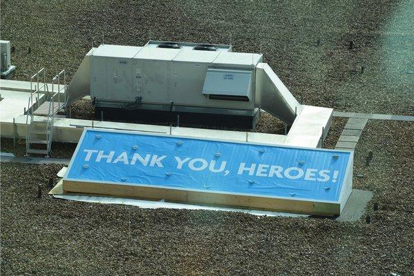 Roof banner heroes